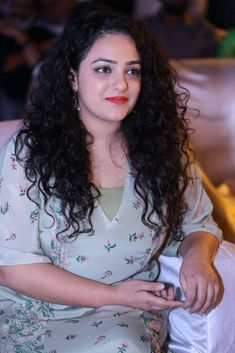Nithya Menen Hot HD Photos & Wallpapers for mobile Indian Actress Hot Pics, Actress Pics, Beautiful Indian Actress, Indian Actresses, Beautiful Saree, South Actress, South Indian Actress, Beautiful Girl Image, Most Beautiful Women