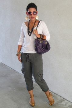 Deep-purple-coach-bag-tan-audrey-brooks-pumps-white-american-eagle-t-shirt_400