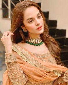 Asian Wedding Dress Pakistani, Latest Pakistani Dresses, Mode Bollywood, Bollywood Fashion, Stylish Dresses, Fashion Dresses, Bridle Dress, Beautiful Dress Designs, Muslim Beauty