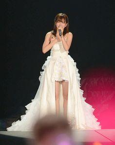 写真特集_芸能:AKB48フォトギャラリーの写真  涙を流しながらスピーチする前田敦子(撮影・たえ見朱実)
