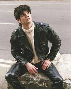 "@leatherloverbr's Instagram post: ""Adam Washington #instalike #instaboy #instafashion #fashion #style #leatherpants #leatherjeans #leathergear #leatherfetish #gearfetish…"" Leather Jeans Men, Tight Leather Pants, Black Leather Biker Jacket, Leather Trousers, Menswear, Mens Fashion, Guys, Street Style, Diamond"