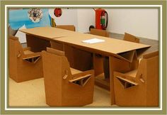 escritório Furniture Projects, Diy Projects, Cardboard Furniture, Drafting Desk, Office Desk, Diy And Crafts, Table, Design, Home Decor