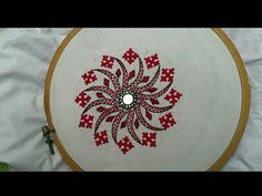 Handmade Embroidery Designs, Peacock Embroidery Designs, Hand Embroidery Patterns Flowers, Border Embroidery Designs, Basic Embroidery Stitches, Hand Embroidery Videos, Embroidery Stitches Tutorial, Embroidery Works, Creative Embroidery