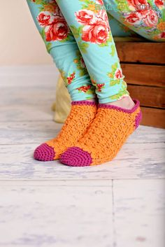 Ravelry: Color Pop Socks pattern by Stacey Williams Crochet Socks Pattern, Crochet Boots, Cute Crochet, Crochet Crafts, Crochet Clothes, Crochet Projects, Knitting Patterns, Crochet Patterns, Knitting Tutorials
