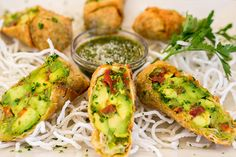 We're in the mood for these crispy Avocado Eggrolls! Who's with us? -Avocado Eggrolls