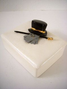 Puttin On The Ritz 1950s Mens Ceramic Catch All Dated 1951 Top Hat and Cane Mid Century