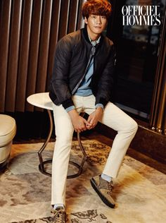 Before we get used to seeing D-Day's Kim Young Kwang in scrubs and covered in debris dust and soot, he reminds us he's got some style, courtesy of Hazzys and L'Officiel Hommes Kor… Asian Actors, Korean Actors, Sweet Stranger And Me, Can We Get Married, Kim Young Kwang, Korean Drama Movies, Young Blood, Good Doctor, Actor Model