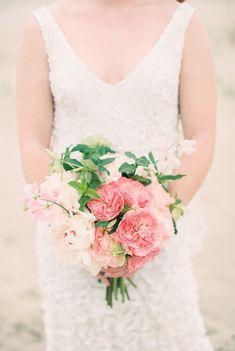 満開のお花で、笑顔も満開♡春色ブーケはDouble Flowerがオススメ!にて紹介している画像