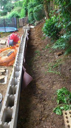 V2 Backyard Retaining Walls, Building A Retaining Wall, Stone Retaining Wall, Gabion Wall, Backyard Landscaping, Patio, Landscape Steps, Landscape Design, Shed Construction