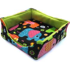 Your piggies will agree that this bed is aptly named! Includes a quick-wash potty pad.