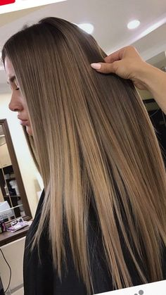 Long hair is gorgeous - StepUpLadies net Long hair is gorgeous - , Pretty Blonde Hair, Dark Blonde Hair Color, Hair Color Shades, Brown Blonde Hair, Light Brown Hair, Light Hair, Brown Hair Colors, From Brunette To Blonde, Brown Hair Inspo