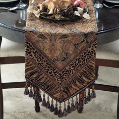 Guinart Table Runner