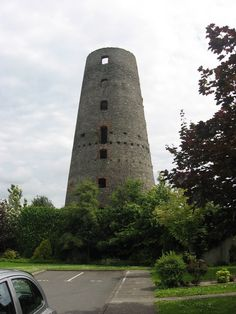 Windmill at Seatown, Dundalk. This seven-storey windmill is not shown on the Clanbrassil estate map of Dundalk of c. 1785 but is depicted on the 1836 O. by Kieran Campbell, via Geograph Windmill, Castles, Places To See, Medieval, Ireland, Irish, To Go, Map, Building