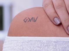 Todo mundo sempre pergunta sobre minhas tatuagens – com quem fiz, quantas tenho, e o significado delas… Eu confesso que ficar explicando significado de tatuagem é uma coisa muito chata,…