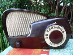 Philco bakelite valve radio selling on ebay as we speak - sexy little beast itsn't it!