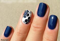 20 Blue and white floral nail 2017 - Reny styles