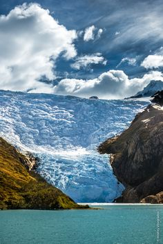 Glacier by Andrey Vinogradov ~ Chile* What A Beautiful World, Beautiful Places, Places Around The World, Around The Worlds, Places To Travel, Places To Visit, Skier, Landscape Pictures, Outdoor Life