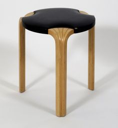 Stool 60 alvar aalto finland 1932 commodity goods for Alvar aalto muebles
