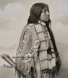 Red Shirt (Oglala) - Wikipedia Native American Clothing, Native American Beauty, Native American Tribes, Native American History, Native Americans, Plains Indians, Indian Heritage, History Photos, Red Shirt