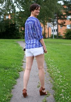 Tall Girl's Fashion // Lace shorts and flowy top
