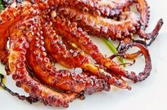 How to make grilled octopus. It's easy! Octopus Recipes, Grilled Octopus, Restaurant Branding, Fine Dining, Crisp, Seafood, Grilling, Bacon, Bbq