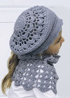I hope you have enjoyed this beautiful crochet, the free pattern is HERE so you can make a beautiful crochet. Easy Crochet Hat, Crochet Beret, Crochet Hat For Women, Crochet Headband Pattern, Crochet Cap, Crochet Scarves, Crochet Clothes, Free Crochet, Crochet Patterns