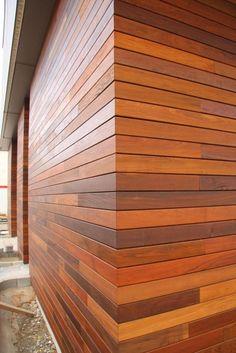 фасад из массива лиственницы