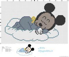 Mickey Mouse bebé durmiendo en la nube