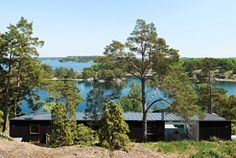 summer house in Stockholm's archipelago (from article in Residence magazine) so bright and amazing