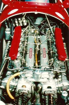 Maserati.  https://de.pinterest.com/gilloudetrouvil/histoires-de-maserati/