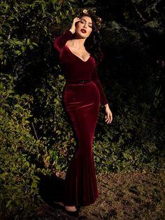 Black Marilyn Gown in Oxblood | Gothic Dress – La Femme En Noir Velvet Gown, Red Gowns, Mermaid Skirt, Gothic Dress, Oxblood, Fashion Addict, I Dress, Vintage Outfits, Glamour