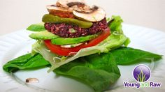 Easy and Delicious! Raw Vegan Sunflower Veggie Burgers - http://www.youngandraw.com/easy-and-delicious-raw-vegan-sunflower-veggie-burgers/