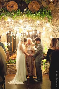 Look at the lights and the roots. It feels like we're in the big home under the house! I want to have candlelit glass lanterns hanging from the trees :)