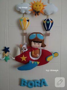 kece-pilotlu-erkek-bebek-odasi-kapi-susu-modelleri