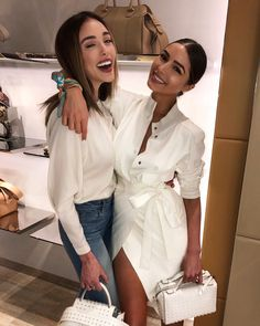Celebrating Boston tonight with my sister ❤️❤️❤️ Fashion Photo, Girl Fashion, Fashion Outfits, Luxury Lifestyle Women, French Girl Style, Olivia Culpo, Glamour, Western Outfits, Classy Women