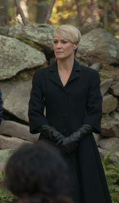 Claire Underwood Style Season 2 1000+ images about Sty...