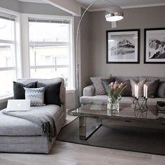 Moderna sala de estar con un toque de gris