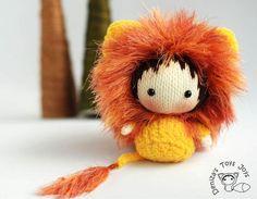 Shaggy Lion Doll. Toy from the Tanoshi series.  from DenizasToysJoys by DaWanda.com