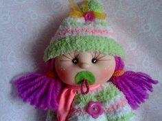 PARTE 1.-                                   CARITAS de muñecas hechas con MEDIA o CALCETINES.       bebita calcetin 1/3,manualilolis ,video-32 FUENTE. PARTE 1.           CABECITAS HECHAS CON CALCETIN- MEDIA  https://www.youtube.com/watch?v=VLNstA4ugjo
