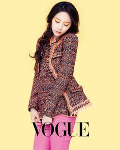 Krystal Jung ★ f(x) - Vogue Magazine Krystal Jung, Jessica & Krystal, Korea Fashion, Pop Fashion, Unique Fashion, Girl Fashion, Kpop Girl Groups, Kpop Girls, Vogue Korea
