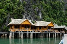 Cat Ba Sandy Beach Resort is located on a private island – Nam Cat island – in Lan Ha bay, Cat Ba. The resort consists of bungalows situated on the beach. http://catbahotels.org/hotels-and-resorts/cat-ba-sandy-beach-resort.html