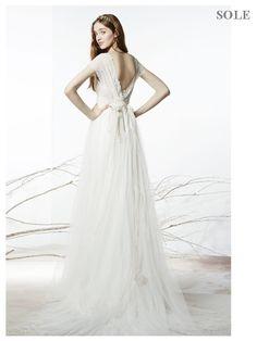 Abiti da sposa e vestiti da sposo per il tuo matrimonio, Collezione Raimon Bundò 2016.