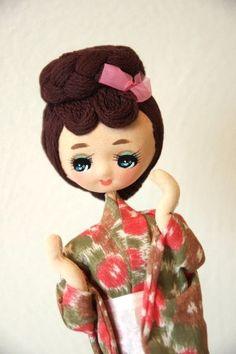 Vintage 1960s Geisha Pose Doll