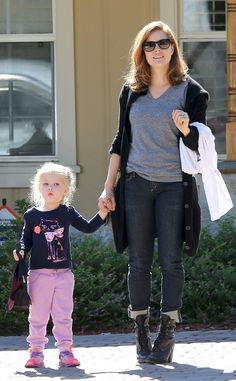 Trendy mom Amy Adams stepped out in a casually cool look, paired with sunnies of course, with her adorable daughter Aviana by her side!