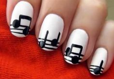 63 Over-the-Top Manicures - From Sharp Shooter Manicures to Grassy Garden Manicures (TOPLIST)