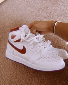 Dr Shoes, Cute Nike Shoes, Swag Shoes, Nike Air Shoes, Hype Shoes, Me Too Shoes, Sneakers Mode, Cute Sneakers, Sneakers Fashion