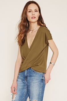 FOREVER 21 contemporary twisted-hem top