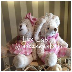 Coppia coniglietti peluche pieni di ovette confettate!