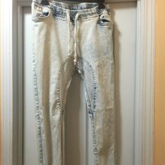 Joggers Worn once and is stretch material Pants Track Pants & Joggers