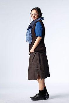 Pullunder Oya - Ein tolles Upgrade für schlichte Kleider, Tops, Blusen, Hosen und und und..... ist dieser OSKA Pullunder aus hochwertigem, hautschmeichelndem Material. Er hat eine angenehme Länge und betont trotz komfortabler Weite die weibliche Silhouette.